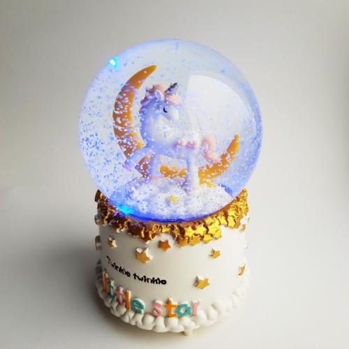 "Снежный шар ""Единорог и луна"""