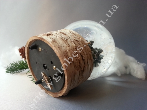 "Снежный шар ""Сторожка на коре"""