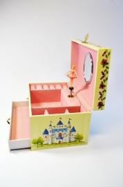 Большая музыкальная шкатулка «Балерина и замок»
