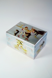 Музыкальная шкатулка «Маленькие танцовщицы»