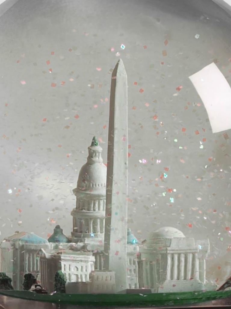 """Снежный шар """"Вашингтон"""""""